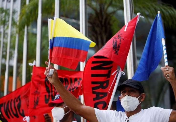 Sindicalistas panameños protestan junto a colombianos