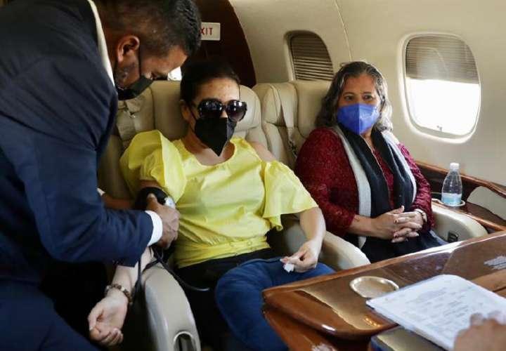 Avión presidencial trae de vuelta a pacientes panameños