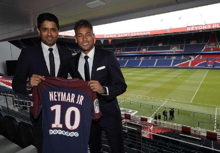 Neymar dice que está orgulloso de renovar con el PSG