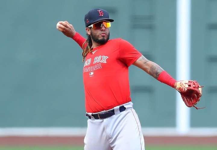 Panameño Jonathan Araúz vuelve a Triple A de los Medias Rojas de Boston