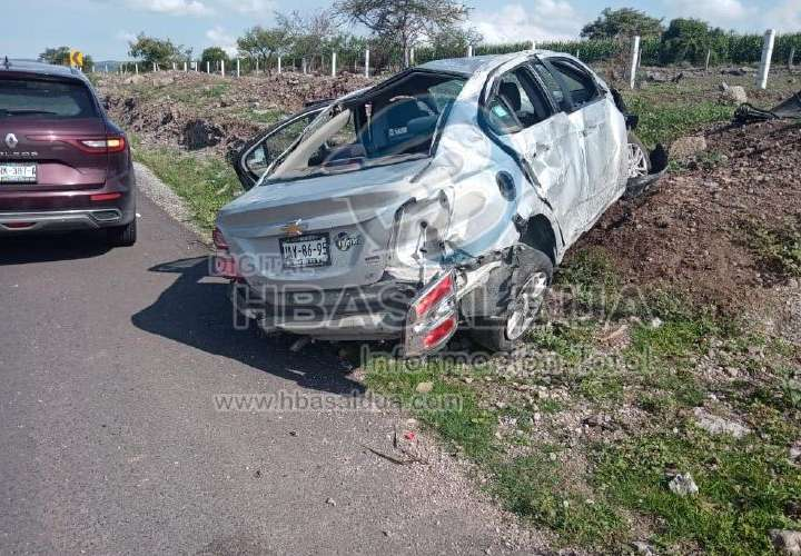 Chiricano e hijo mueren en colisión en México