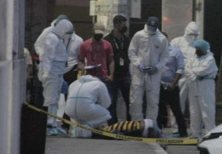 Ni cámaras de vigilancia detienen a sicarios tras crimen en Calidonia; la víctima recibió disparos en la cabeza