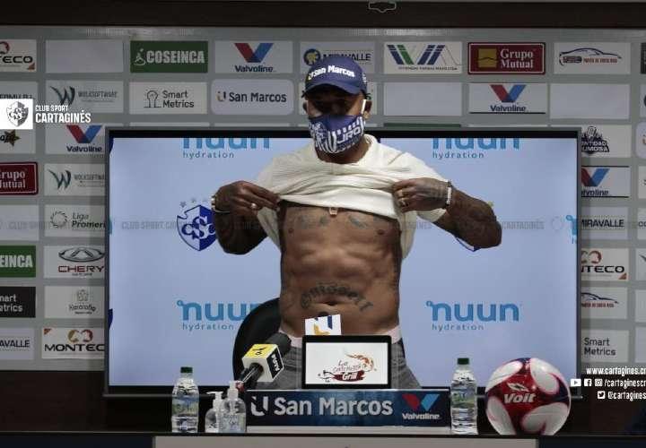 Panameño Román Torres se va del Cartaginés de Costa Rica en medio de críticas