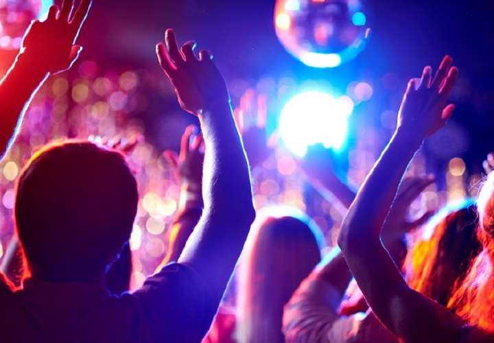 Minsa apoya propuesta de solo vacunados en bares y discotecas