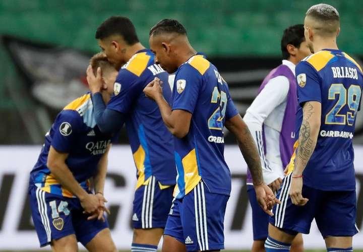 Boca Jrs. regresa a Argentina tras trifulca