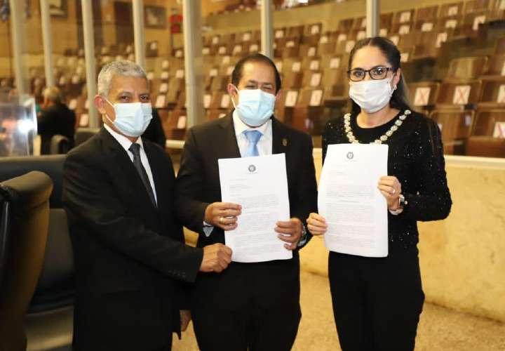 Zulay: bancos tomaron de payasos a la Asamblea y al Ejecutivo