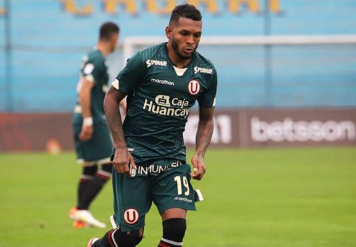 Alberto 'Negrito' Quintero volvió a la acción con su club Universitario en Perú