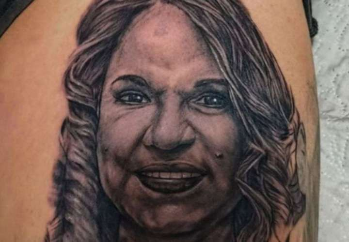 Sandra Sandoval pide disculpas a tatuador