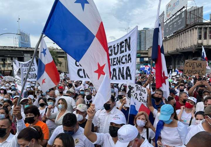 Manifestaciones contra modificaciones de diputados a reformas electorales