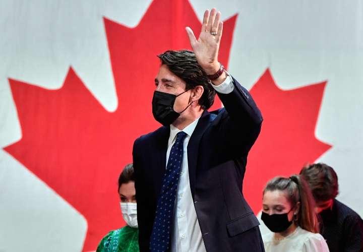 Canadienses cuestionan elección