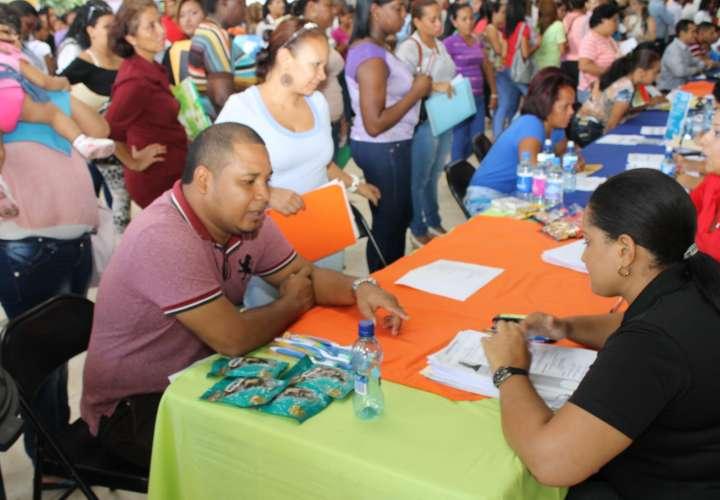 Crean 82.753 nuevos empleos y tasa de desocupados quedó en 6 % a agosto