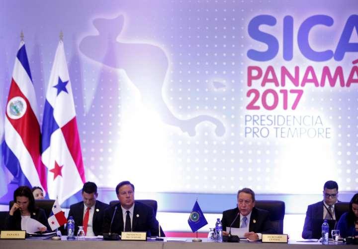 Empieza cumbre de SICA con ausencia de última de hora del hondureño Hernández