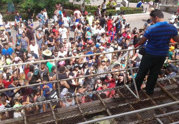 La actividad de Año Nuevo es la primera previo a la realización de los Carnavales, uno de los más concurridos del país. / Foto: Thays Domínguez