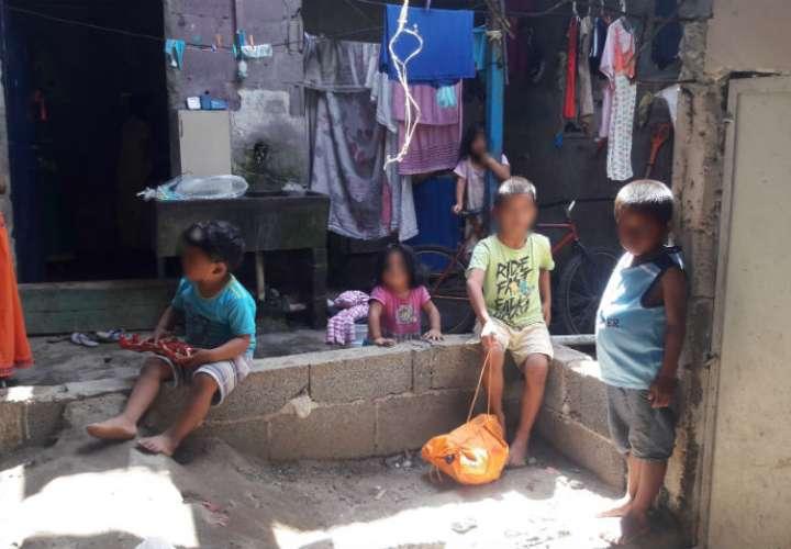 Una de las madres vecinas del lugar  donde murió el niño sostuvo que también las familias son numerosas donde se convive junto con más de 10 personas, con el riesgo de promiscuidad. /  Foto: Melquiades Vásquez
