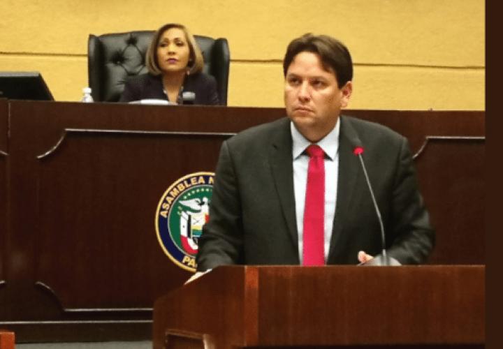 Director del Idaan ofrece disculpa y dice que no quiso ofender al pueblo