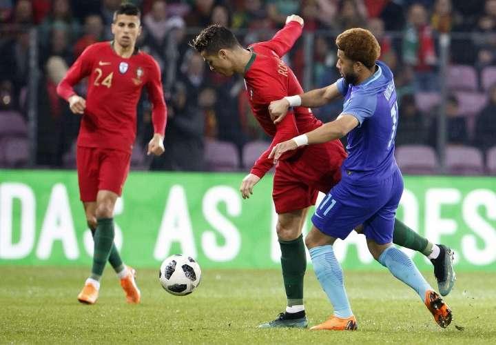 Portugal es goleado por Holanda 3-0