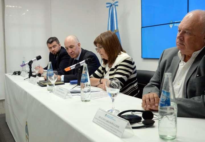 Ministra de seguridad Patricia Bullrich en conferencia. Foto/Redes