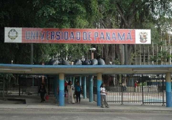 Destituyen a 3 en la Universidad de Panamá por alterar notas