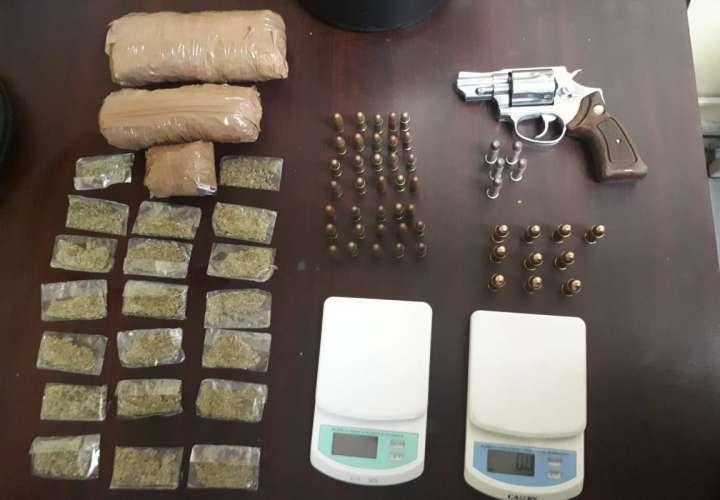 Hallan droga, armas y municiones en Curundú