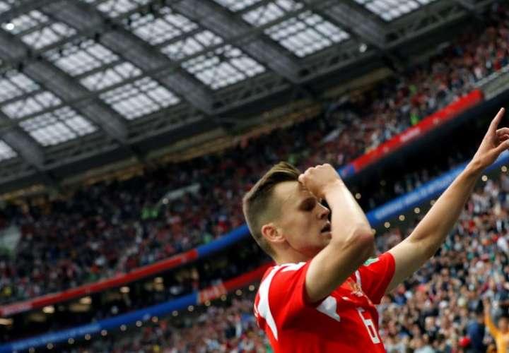 El hispano-ruso Chéryshev  fue la estrella del partido inaugural del Mundial.Foto EFE