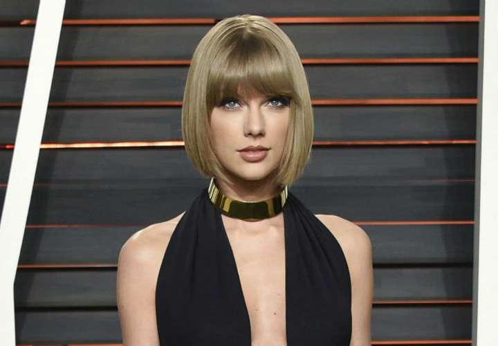 Demandan a Taylor Swift por robar nombre de aplicación de juegos y contenido