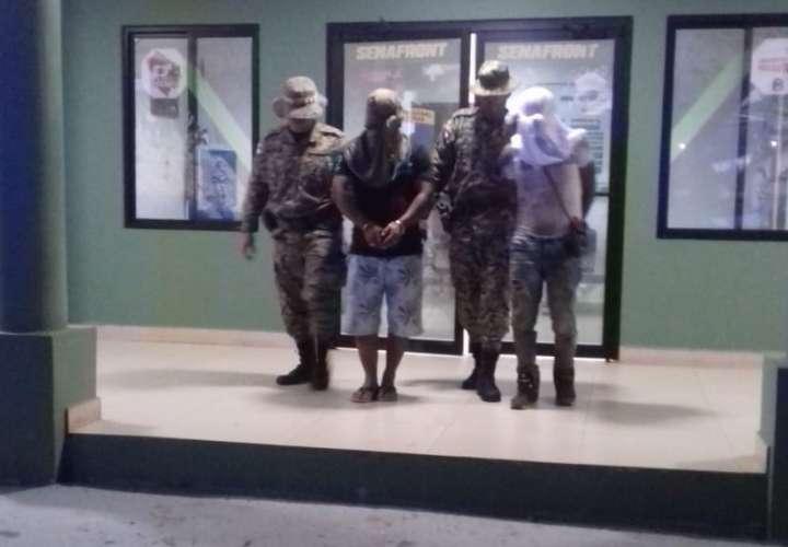 Decomisan tres paquetes de droga y detienen a tres hombres en Tortí