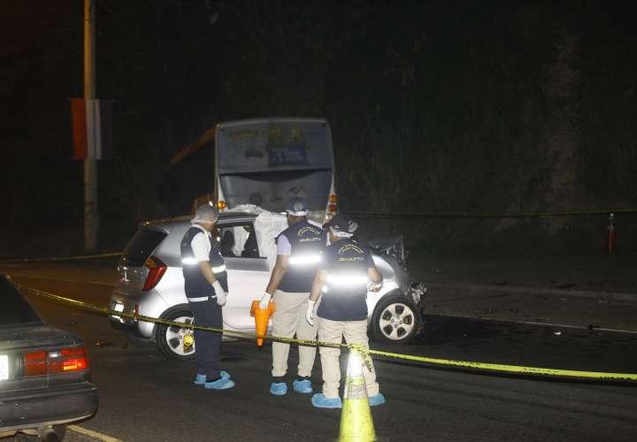 Vista general del lugar del accidente fatal en la 24 de Diciembre. Foto: Jorge Luis Barría