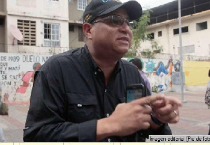 Independientes Investigan a Dimitri por firmas falsas de Inadeh