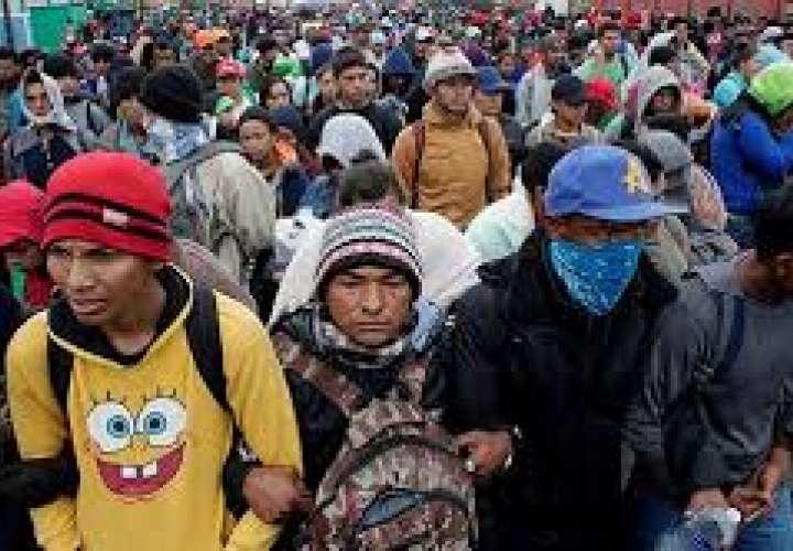 """México critica medida """"unilateral"""" de devolución de migrantes de EE.UU."""