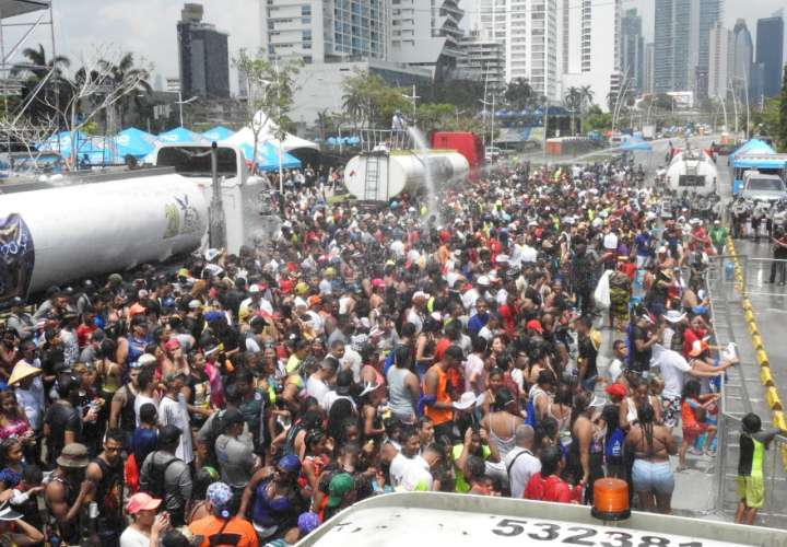 Sábado de Carnaval en la Cinta Costera dedicado a los niños