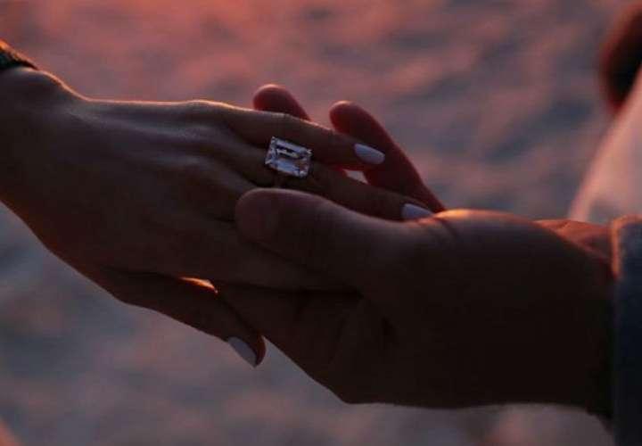 Alex Rodríguez le dio el anillo a Jennifer López