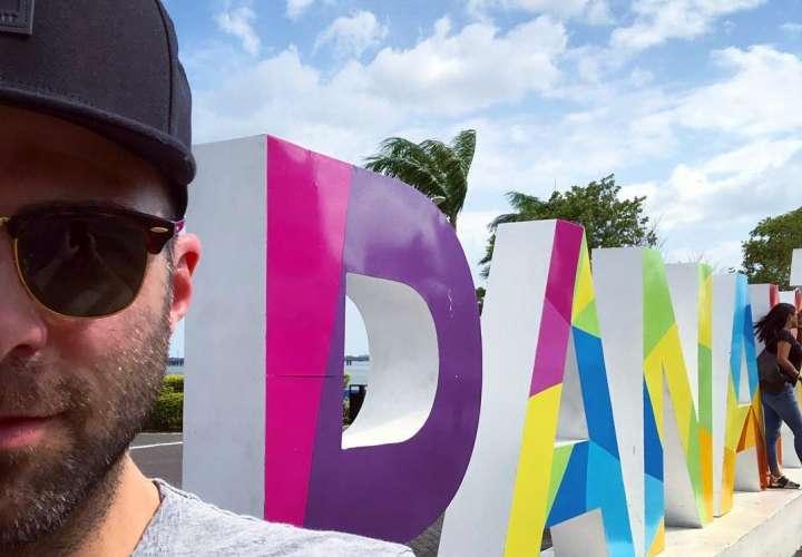 Zachary Quinto actor de 'Stark Trek' está de visita por Panamá