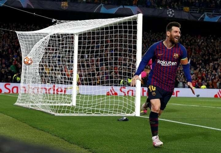 El delantero argentino del FC Barcelona Leo Messi celebra su gol, segundo del equipo ante el Liverpool. Foto: EFE
