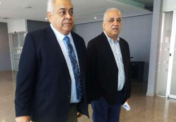 Denuncian a Varela y su vice por eliminar radares antidrogas
