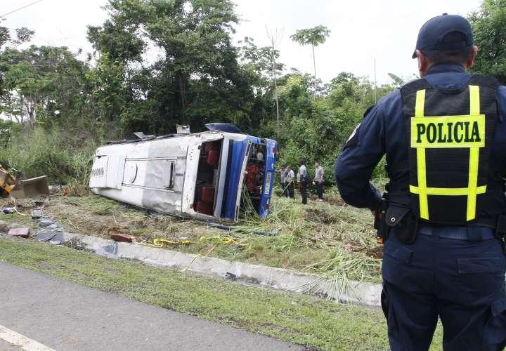 Bus de la ruta Darién-Panamá accidentado. Foto: Edwards Santos
