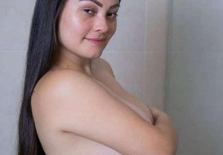 Esposa de instagramer se disculpa por foto en 'topless'