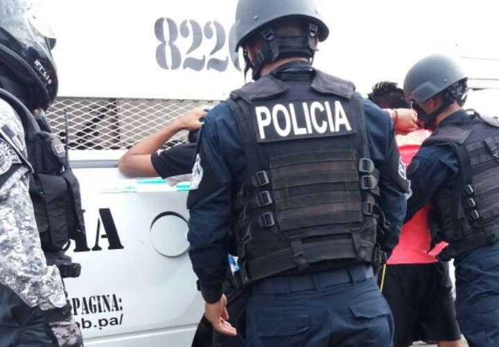 Condenados por llevar huevos de tortuga. foto/ Mayra Madrid.