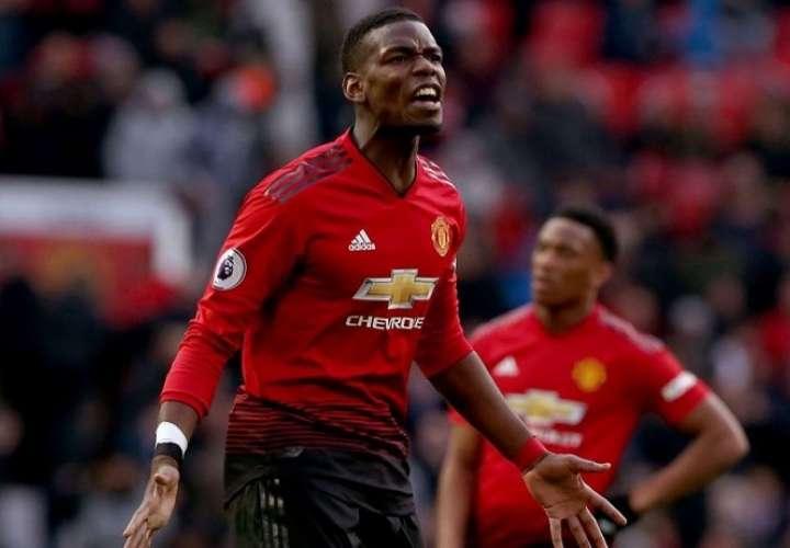 El futbolista del Manchester United Paul Pogba ha sido objeto de insultos racistas en las redes sociales .