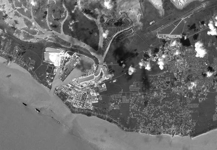 La isla Freeport fue una de las primeras en ser golpeada por el huracán Dorian después de que se convirtió en un huracán de categoría 5.  EFE