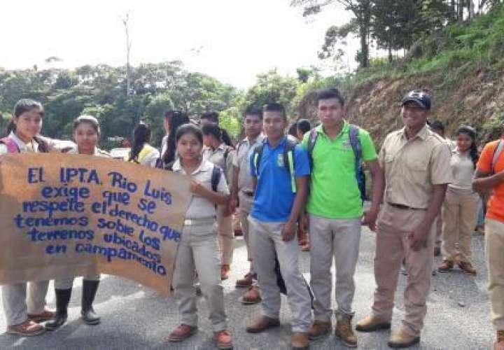 Denuncian invasión de terrenos en Veraguas