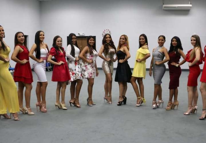 16 chicas compiten por ser la reina del Carnaval 2020