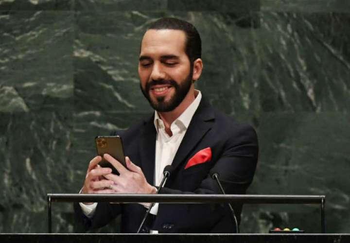 'Selfie' del presidente de El Salvador que revolucionó Twitter