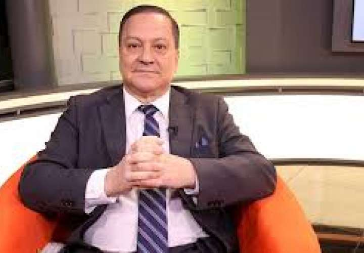 Exdefensor del Pueblo fija posición sobre destitución de Alfredo Castillero