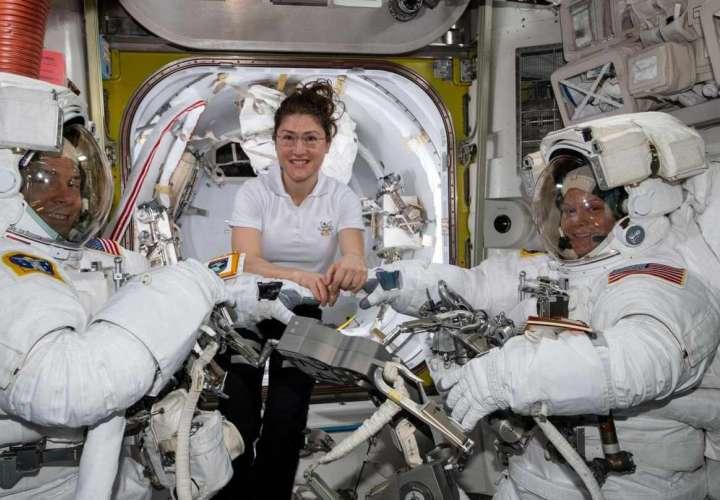 La NASA no descarta que algún día viajen dos mujeres a la Luna