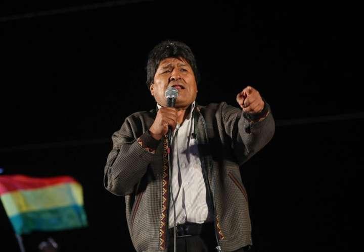 Evo Morales llama de urgencia a movimientos afines tras recibir un ultimátum