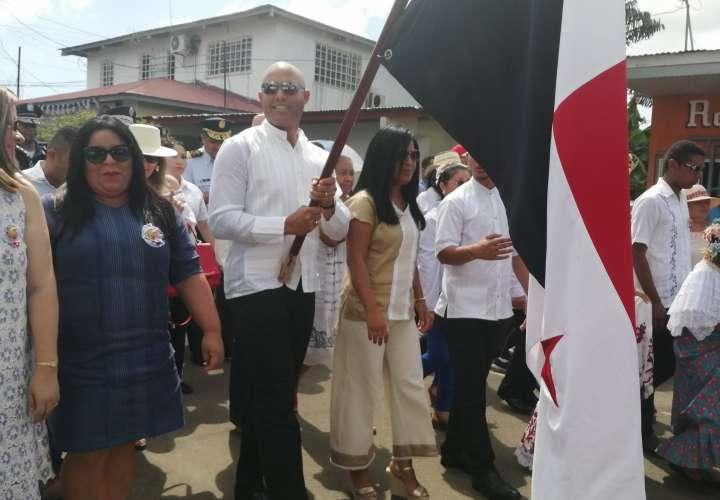 Mariano Rivera abanderado de la fiesta de fundación de Puerto Caimito (Video)
