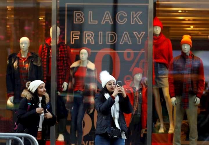 Estadounidenses gastaron $7.400 millones por internet en Black Friday