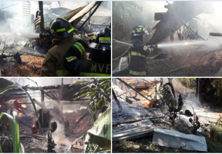 Fuego consume casa en Bocas del Toro