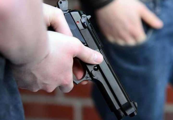 Detenido provisionalmente por cargar arma de fuego sin permiso