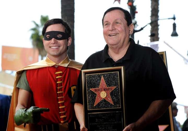 Actor de Batman declaró que le encogieron el miembro porque lo tenía muy grande